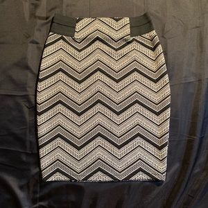 Sophisticated patterned pencil skirt!